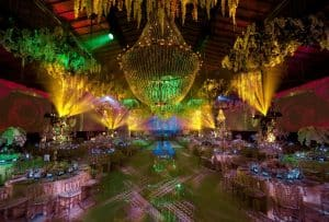 3-day wedding in Vienna, full of sparkling chandeliers